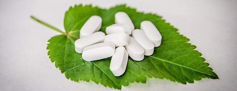 Migräne bei Kinder wird oft mit Medikamenten behandelt