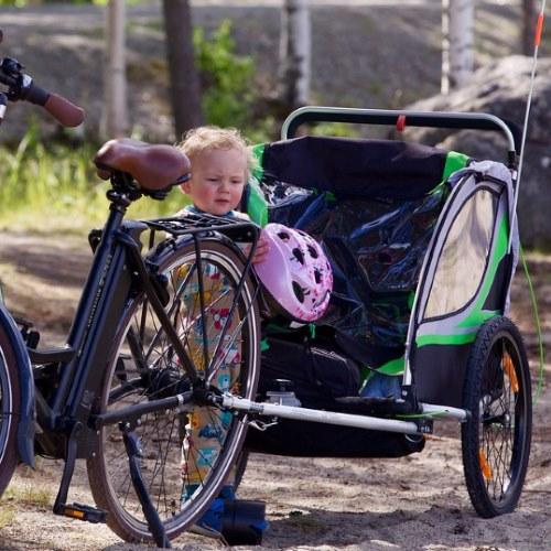 Wie sicher sind Fahrradanhänger für Kinder?