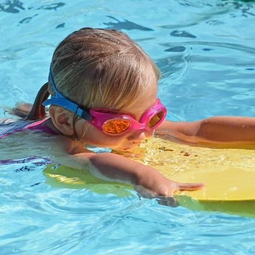 Schwimmhilfen für Kinder – was du wissen musst